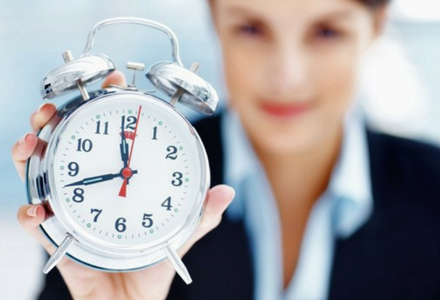 """Sorry! Late again."" 5 steps for managing late employees"